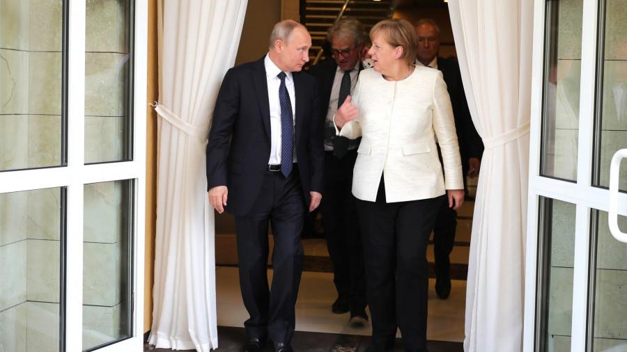 Путин стал вторым на Земле по уровню уважения
