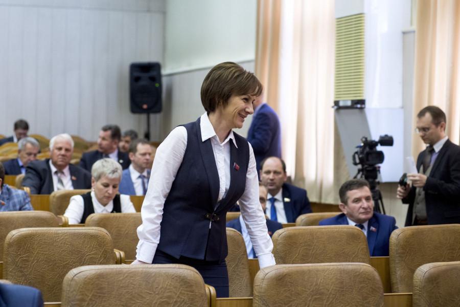 Татьяна Ильюченко на представлении врио губернатора Алтайского края Виктора Томенко. 1 июня 2018 года.