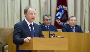 Врио губернатора Алтайского края Виктора Томенко представили политической элите и общественности Алтайского края. 1 июня 2018 года.