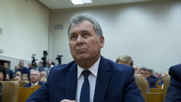 Александр Романенко на представлении врио губернатора Алтайского края Виктора Томенко. 1 июня 2018 года.