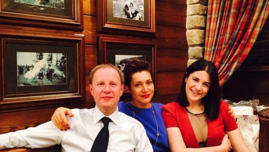 Виктор, Татьяна и Галина Томенко.