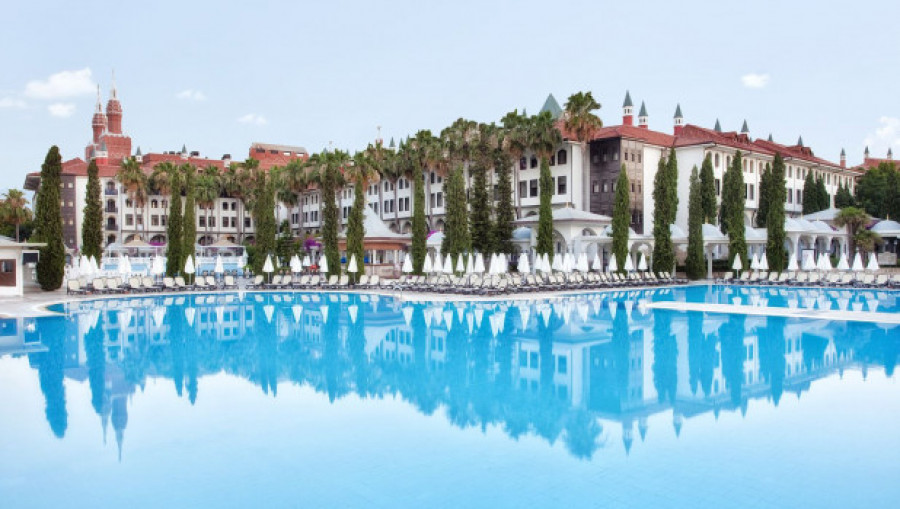 Бассейн в отеле, Турция.