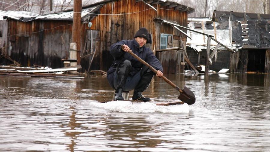 В 2004 году паводок в Затоне.