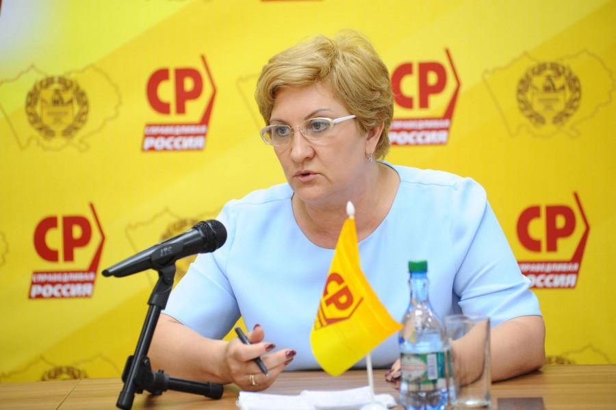 Людмила Суслова, депутат АКЗС.