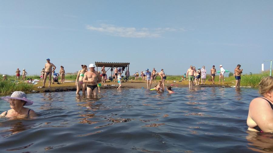 На отдыхе в Завьялово. Пляж на Соленом озере.