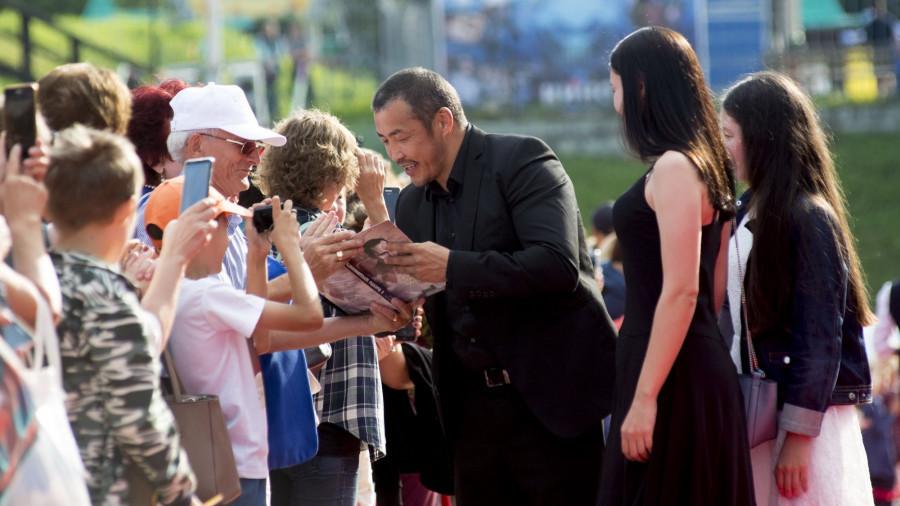 Амаду Мамадаков на церемонии открытия Шукшинского фестиваля в Барнауле.