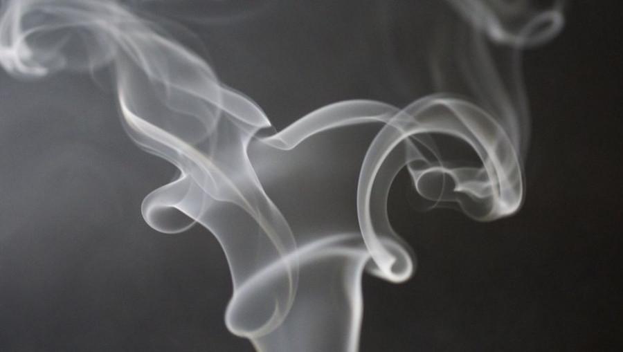 Дым. Курение. Вейп.