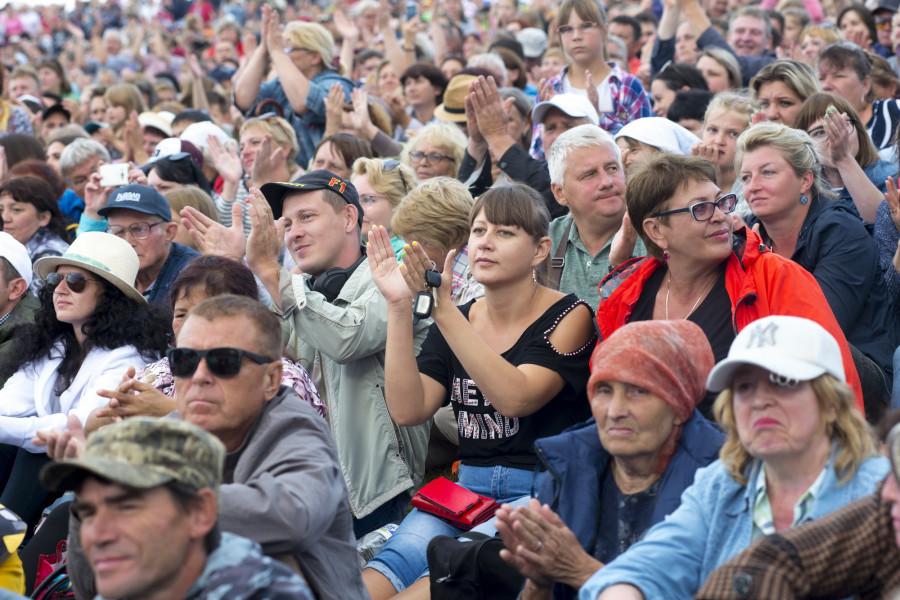 Концерт Пелагеи в Сростках на Шукшинском фестивале.
