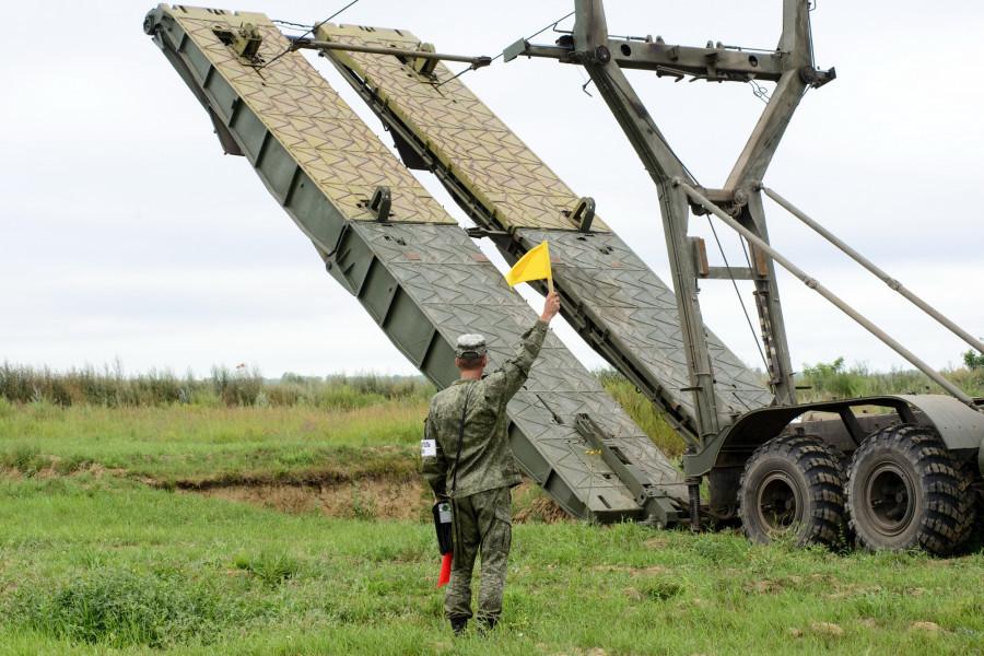 Военные, армия.