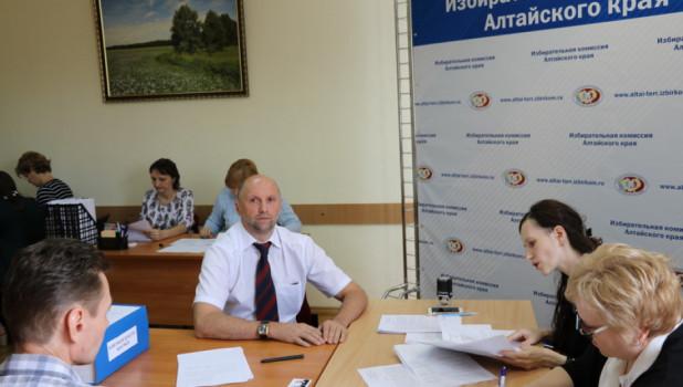Томенко остается: экс-кандидат в губернаторы не смог через Верховный суд отменить результаты выборов