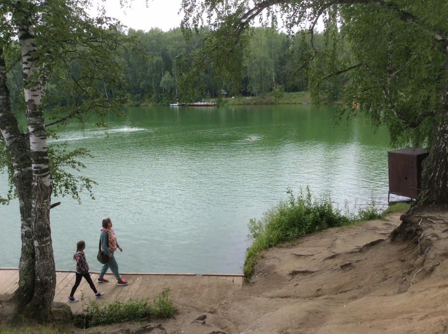 У озера Ая.