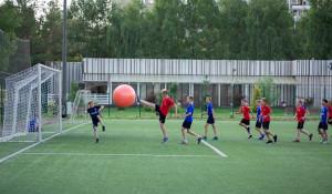 Иностранные футболисты целую неделю провели в Барнауле