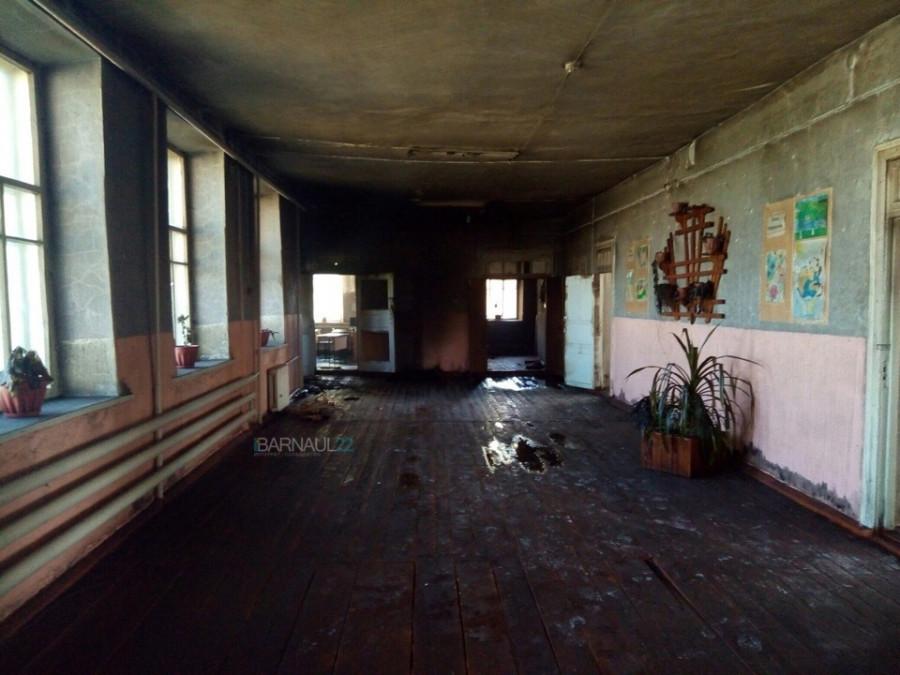 Школа в Верх-Жилино после пожара.