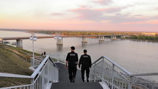 Набережная Оби в Барнауле. Полиция.