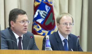 Виктор Томенко и Александр Новак (слева).
