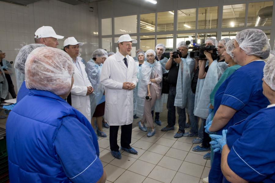 Виктор Томенко посетил завод «Рикон» в селе Зимари