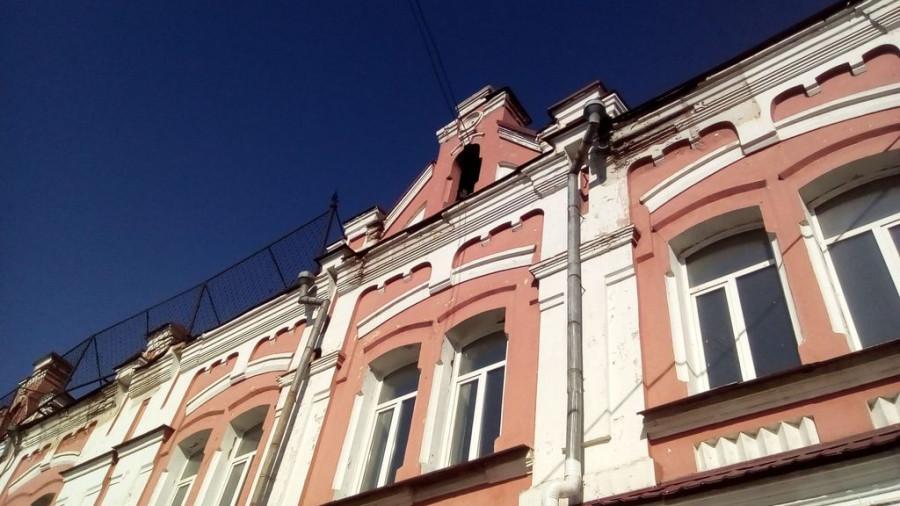 Здание на ул. Льва Толстого, 32.