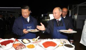 Владимир Путин и лидер КНР Си Цзиньпин.