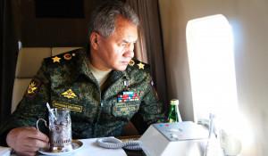 """Путин и Шойгу  на полигоне Цуголол"""" наблюдает за передвижением боевой техники. 13 сентября 2018 года."""