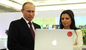 Владимир Путин и главред RT Маргарита Симоньян.