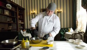 Шеф-повар ресторации «Горная аптека» Сергей Гусельников.