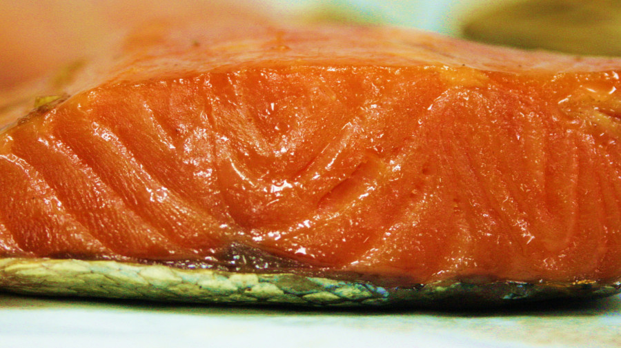 Красная рыба считается наиболее полезной и безопасной