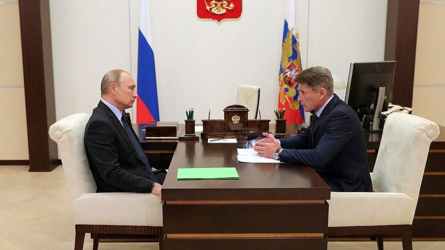 Владимир Путин и врио Приморского края Олег Кожемяко.