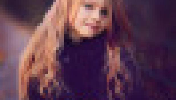 Длинные волосы. Девочка. Цветы