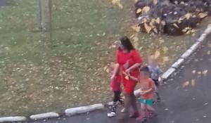 Детей вывели на улицу в Заринске.