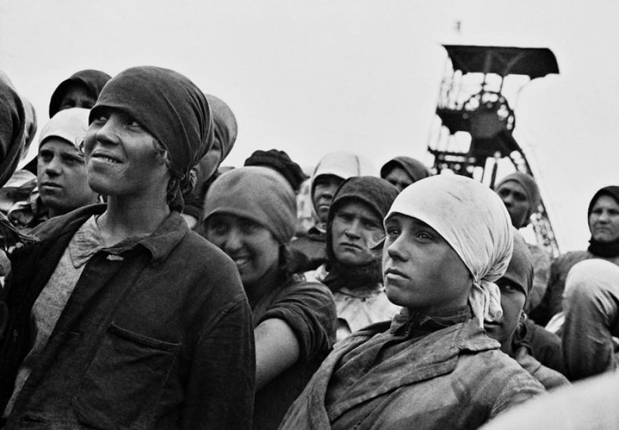 Комсомольцы. СССР. 1930 год.