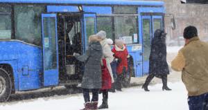 Зима. Автобус. Пассажиры.