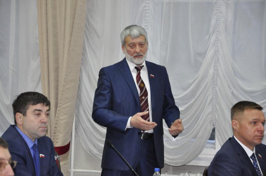 Александр Ельников.