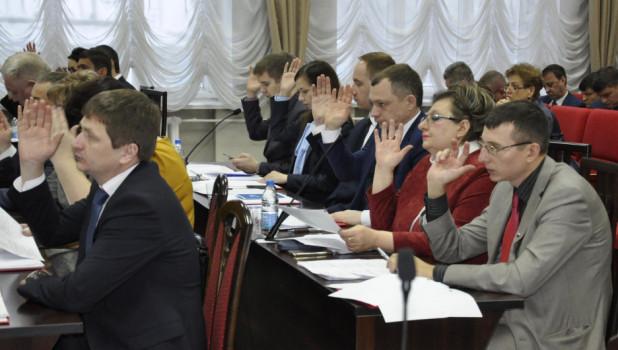 Барнаульские депутаты решают, как возместить себе расходы на командировки
