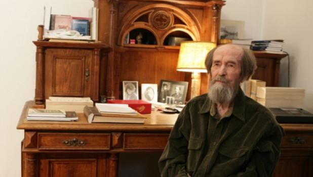Из школьной программы в Белоруссии исключили произведения Алексиевич, Солженицына и Набокова