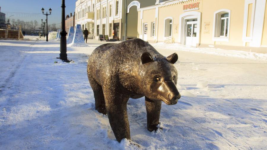 Снежный городок на ул. Мало-Тобольской.