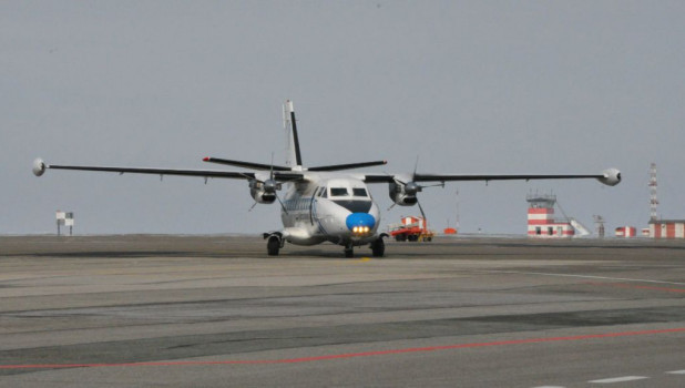 Барнаульский аэропорт. Самолет