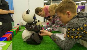 Фестиваль роботов для всей семьи «RoboStars».