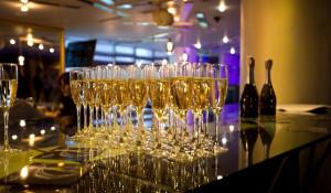 Новый год. Шампанское.