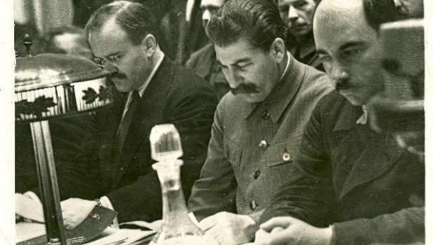 Политолог связал популярность Сталина с недоверием к действующей власти