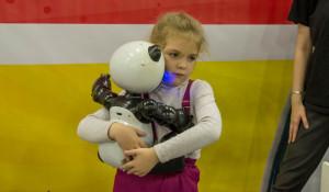 Фестиваль роботов дети «RoboStars».