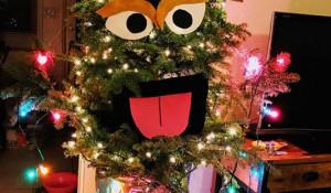 Необычное оформление новогодних елей