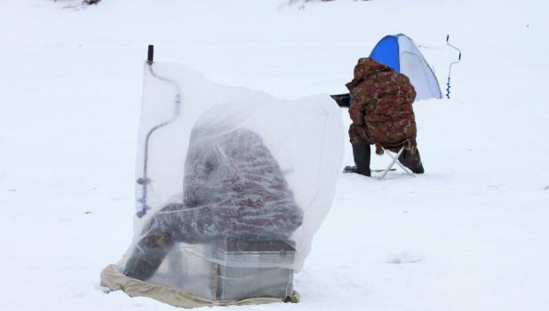 Зимняя рыбалка на Оби в Барнауле