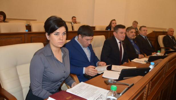 Мария Прусакова через год с триумфом вернулась в кресло главы фракции в краевом парламенте