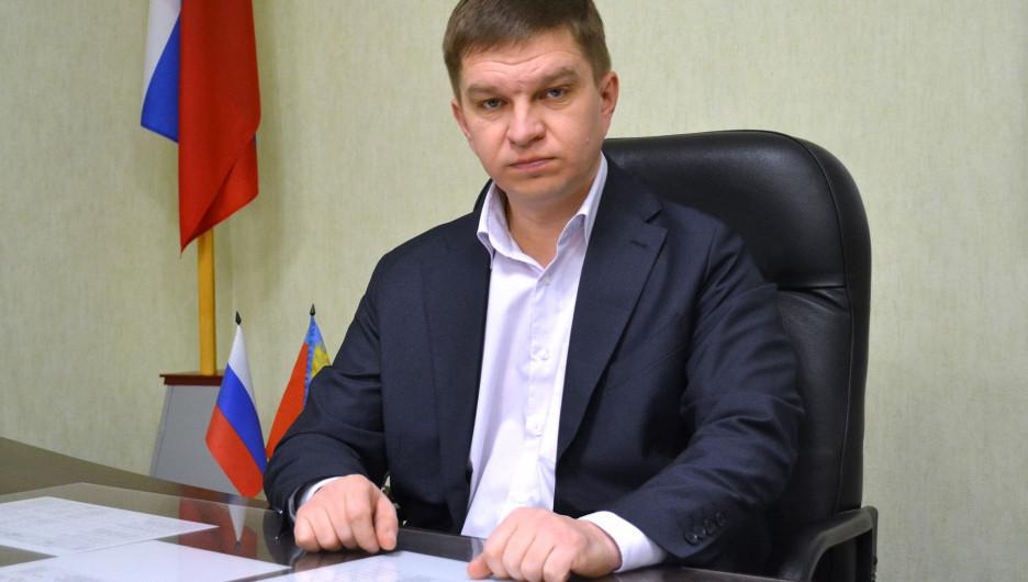 """""""Вспоминайте ЕР"""": алтайский чиновник разразился сомнительным монологом в поддержку партии власти"""