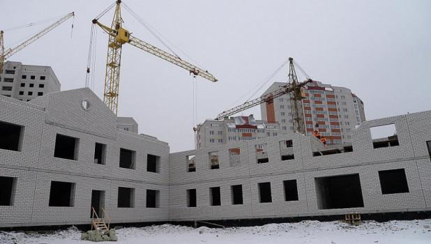"""Строительство  детсада и школы в квартале """"Лазурный"""". Новостройки."""