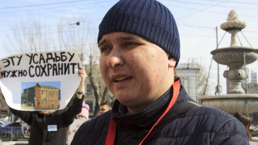 Игорь Берг на пикете против строительства здания краевой прокуратуры на месте старинной усадьбы купца Михайлова. 27 марта 2019 года.