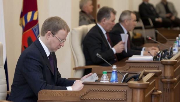 Виктор Томенко на сессии АКЗС