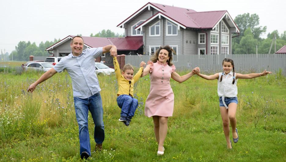 Участки в посёлке Усадебный берег Фирсово.