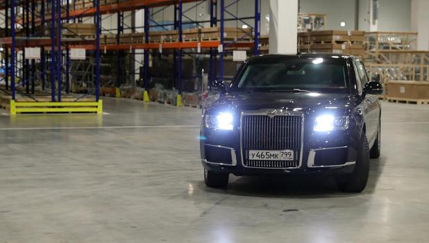 Путин принял участие в открытии завода Mercedes-Benz.
