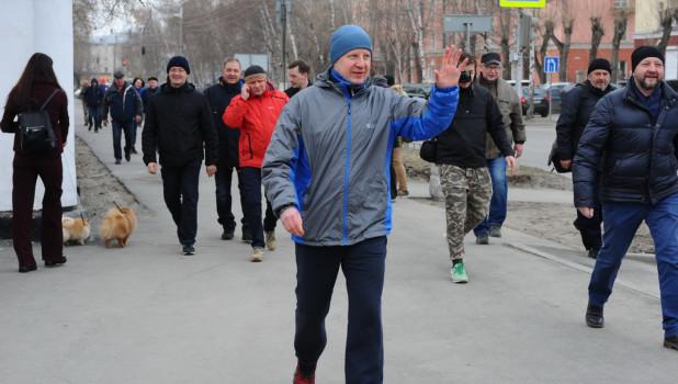 Субботник в Изумрудном парке с участием Виктора Томенко.